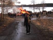 Valborg 2013 På väg till brasan