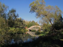Gamla bron en sensommardag