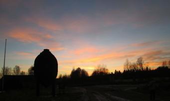 Konvertern i solnedgång