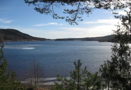 Lidsjön från Lidsbron badplatsen