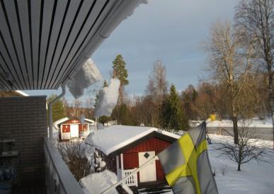 2014-03 Snöras från taket