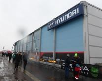 Sedan, det största först, Hyundais - utifrån utsidan