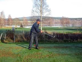 .... och till sist fenomenet Harry Holmdahl på samma tee