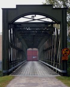 Bron mot kraftstation Laxholmen