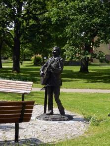 Gunde Johansson i parken vid Skillerälven
