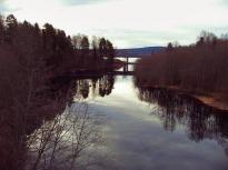 Råda Årosälven med Rådas älsta och yngsta bro