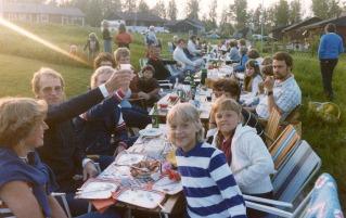 I förgrunden familjen Anita, Sven o Nina, Bosäter (f d Jönsson)