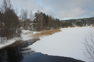 Från Lidsbron mot badplatsen