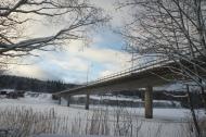 Bron med Sundfall i bakgrunden