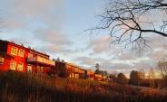 Husen ovan gamla vägen till Sjögränd