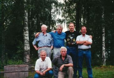 Stående: Rune Nilsson, Thore Lundberg, Gösta Lövqvist, Kenneth Spångberg. Knästående Arne Dahlgren och jag