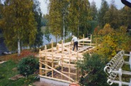 Tage väger av taknocken