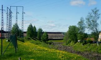 Torr Uvån, mot kolhusen