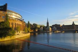 Stockholm Mot Riksdagshuset och Riddarholmen